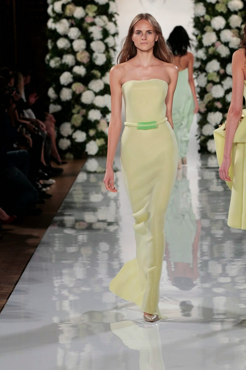 Valentin Yudashkin spring summer 2015, Valentin Yudashkin ss15, Valentin Yudashkin, Valentin Yudashkin ss15 pfw, Valentin Yudashkin pfw, Valentin Yudashkin dress, robe Valentin Yudashkin, pfw, pfw ss15, pfw2014, fashion week, paris fashion week, du dessin aux podiums, dudessinauxpodiums, vintage look, dress to impress, dress for less, boho, unique vintage, alloy clothing, venus clothing, la moda, spring trends, tendance, tendance de mode, blog de mode, fashion blog,  blog mode, mode paris, paris mode, fashion news, designer, fashion designer, moda in pelle, ross dress for less, fashion magazines, fashion blogs, mode a toi, revista de moda, vintage, vintage definition, vintage retro, top fashion, suits online, blog de moda, blog moda, ropa, asos dresses, blogs de moda, dresses, tunique femme, vetements femmes, fashion tops, womens fashions, vetement tendance, fashion dresses, ladies clothes, robes de soiree, robe bustier, robe sexy, sexy dress