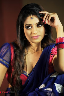 Udaya Bhanu  Saree Pictures in Madhumathi  0002