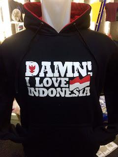 gambar desain terbaru jaket hoodie Damn I Love Indonesia foto photo kamera terbaru Jaket hoodie Damn! I Love Indonesia terbaru warna hitam merah di enkosa sport toko onlina jersey bola terpercaya lokasi di jakarta pasar tanah abang