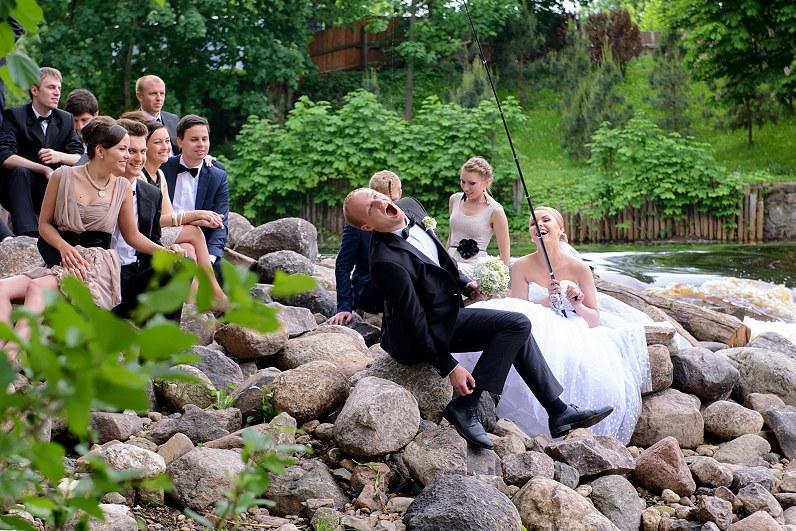 vestuvinės fotografijos gamtoje prie upės