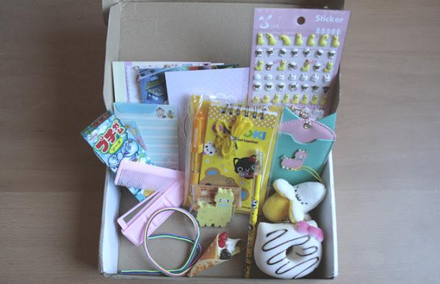Unboxing Kawaii box may 2015