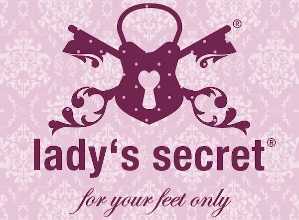 WIN a pair of Lady's Secret, No Crash at www.LaVieFleurit.com #Accessories #Shoes #Party #Giveaway #WIN