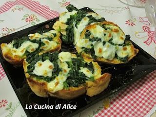 La cucina di alice maxi crostini con mozzarella e spinaci - La cucina di alice ...