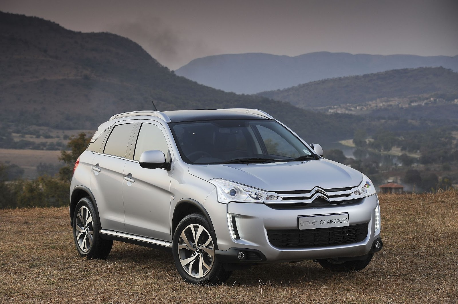 in4ride citroen c4 aircross launched. Black Bedroom Furniture Sets. Home Design Ideas