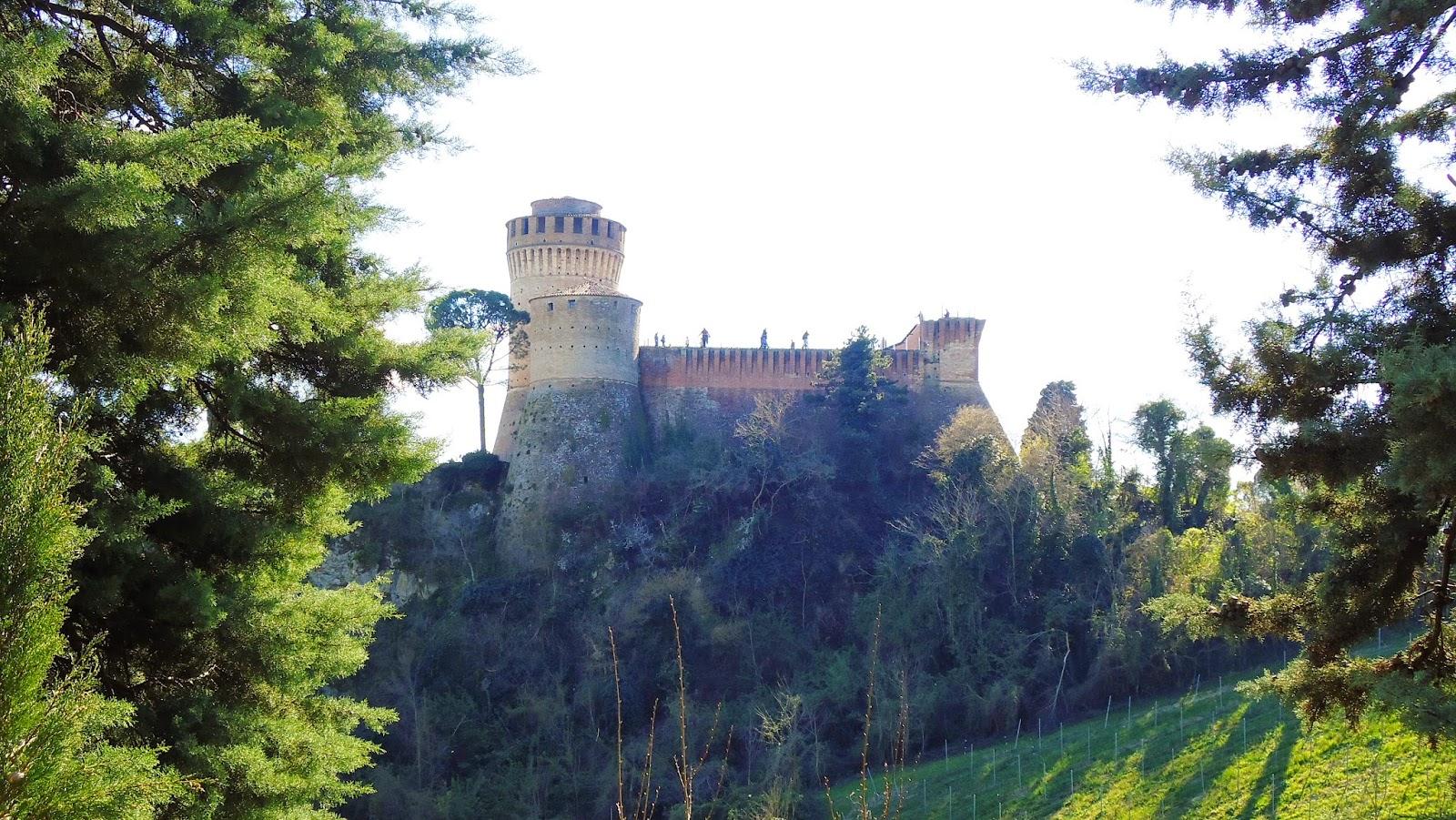 Brisighella, la rocca - Foto di Monica Gatti La gatita sotto le due torri blog