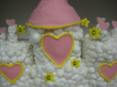 Care Bear Cloud Castle Cake - Close-Up of Stars & Cloud Texture 1