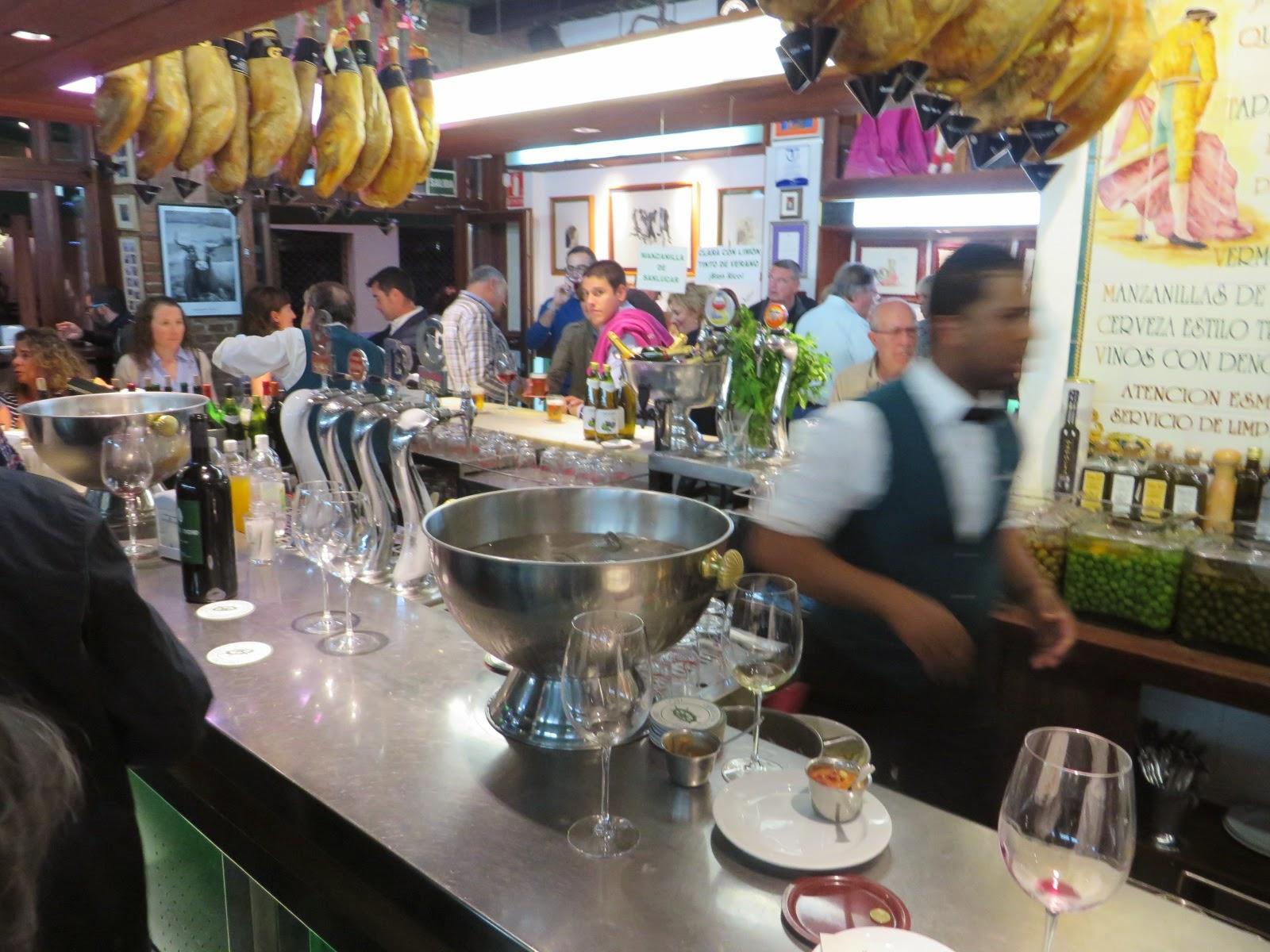 Urbina vinos blog bar tapas restaurante camarote madrid - Decoracion bares de tapas ...