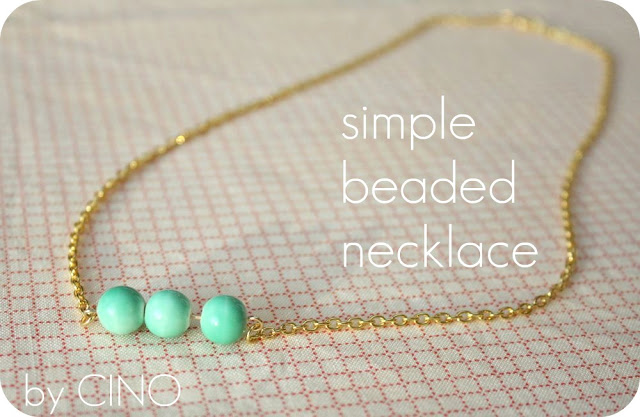http://www.craftinessisnotoptional.com/2012/01/simple-beaded-necklace.html