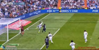 Cristiano Ronaldo falha golo de baliza aberta