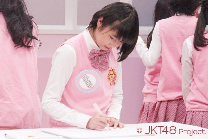 Dhie JKT48 at JKT48 school episode 8
