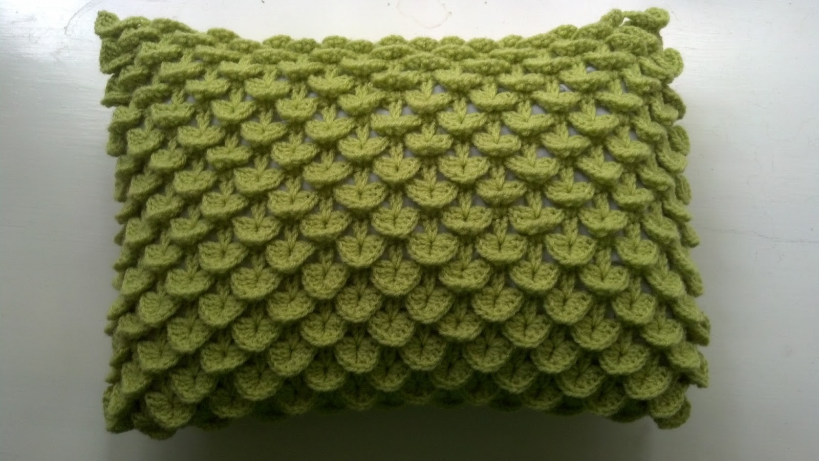 Crochet Patterns Crocodile Stitch : Knit A Bit, Crochet Away: Pattern: Crocodile Stitch Pillow