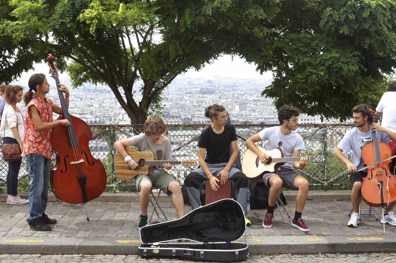 band at the sacre couer