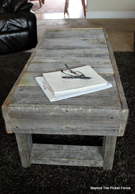 barnwood, reclaimed, coffee table, rustic decor, build it, http://bec4-beyondthepicketfence.blogspot.com/2015/12/these-are-few-of-my-favorite-things.html