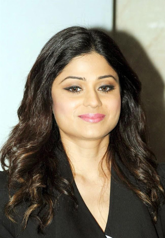 Shamita Shetty  Bollywood Actress In Spandex Black Pant Wearing unseen pics