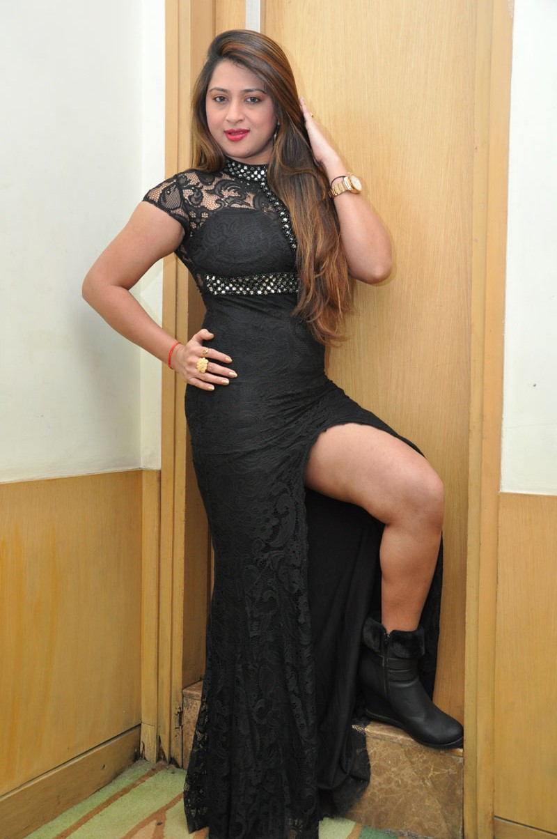 farah khan sizzling photo shoot-HQ-Photo-1