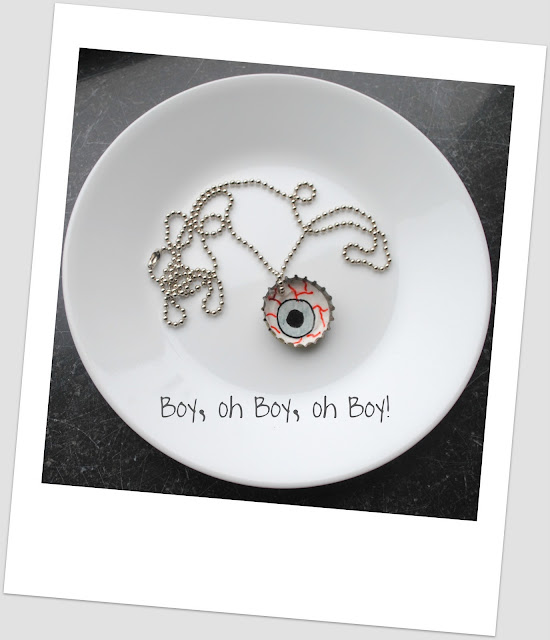 monster eyeball necklace tutorial