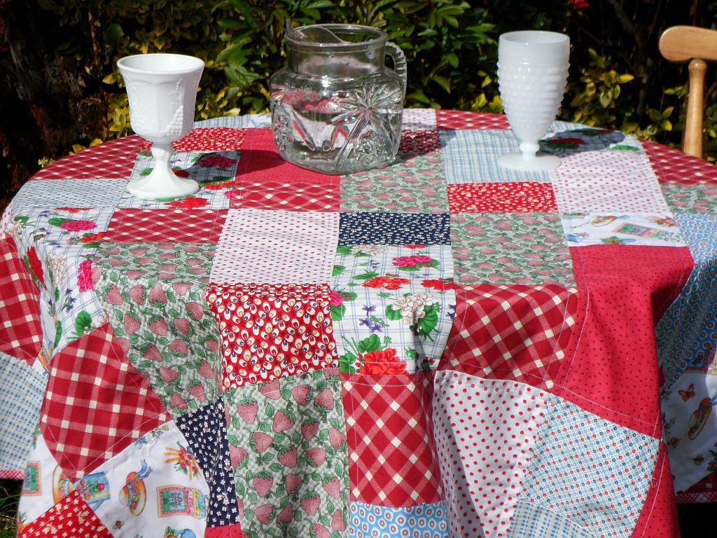 Okay... Get Inspired. Picnic Time And BBQs On The Deck Are Coming Up And  Who Doesnu0027t Have A Whack Of Scraps To Use Up? This Tutorial Is Also Layer  Cake Or ...