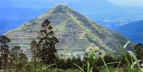 piramide Indonesia de Gunung Padang
