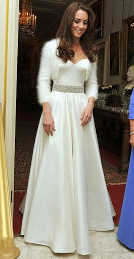 втората булчинска рокля на Кейт Мидълтън - Alexander McQueen