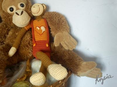 szydełkowa małpa maskotka amigurumi
