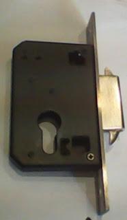 bodi kunci pintu sliding