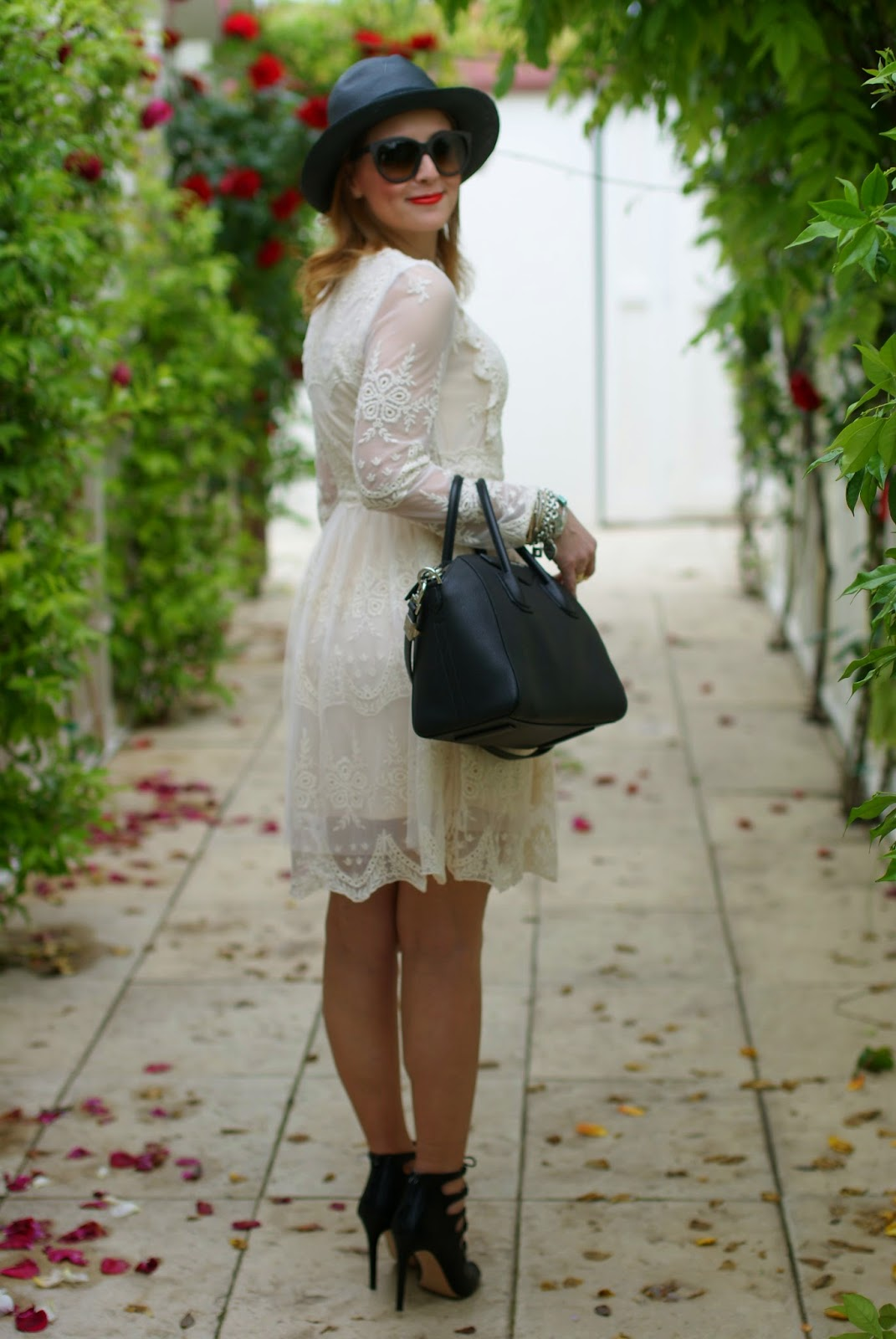 Chicwish lace dress, Givenchy Antigona bag, Zara heels, Fashion and Cookies, fashion blogger