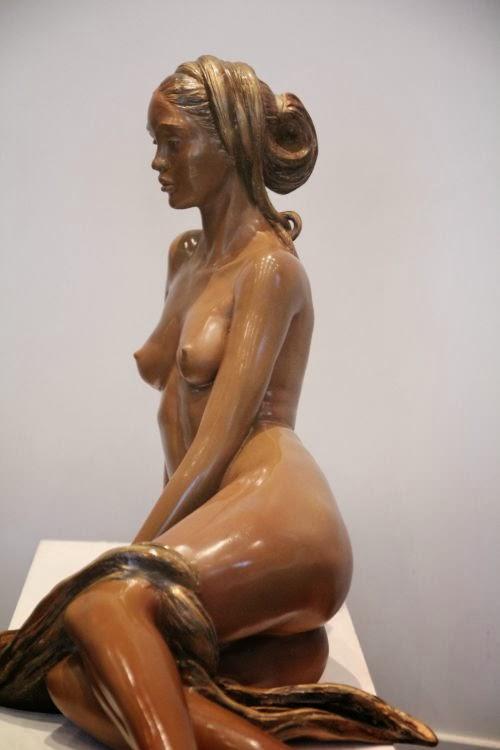 beatrice bissara esculturas mulheres nuas marfim