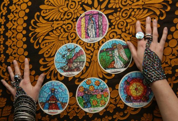 Tarot Card se Bhavishya Kaise Jaane