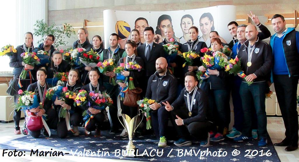 VOLEI / CHALLENGE CUP 2015/2016: CSM Bucuresti a adus acasa trofeul cucerit in Turcia (I)