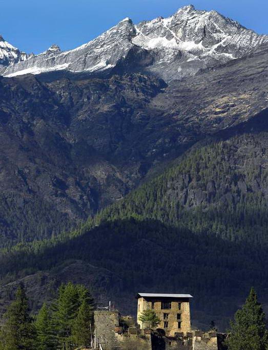 Sementara    beberapa orang mungkin berpikir jika Tibet sebagai surga tercemar,    sepupunya, Bhutan, justru jauh lebih bersih