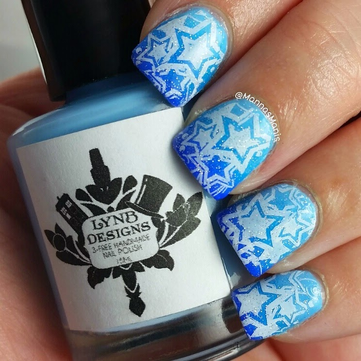 blue gradient mani with nail stamping