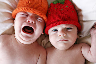 gemelos tristes