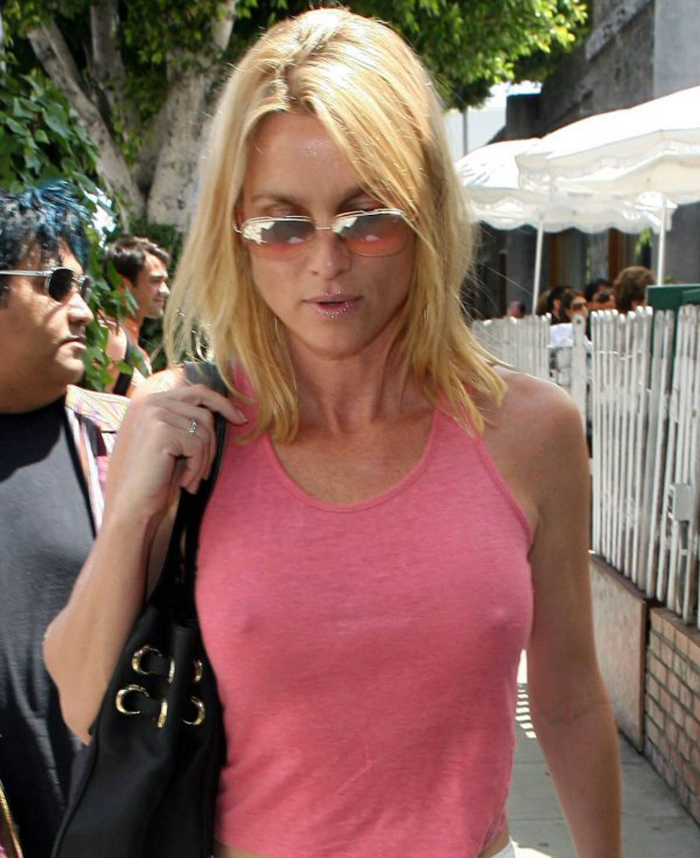 Nicolette Sheridan Photos Tv Series Posters And Cast