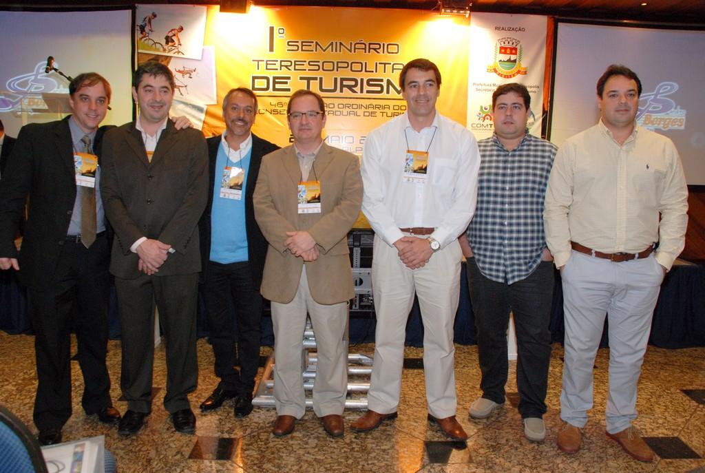 Representantes do poder público e de entidades do turismo: parceria para fortalecer a atividade turística na região