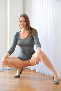 Nude Babes - rs-Short_Skirt_Flashing-792711.jpg