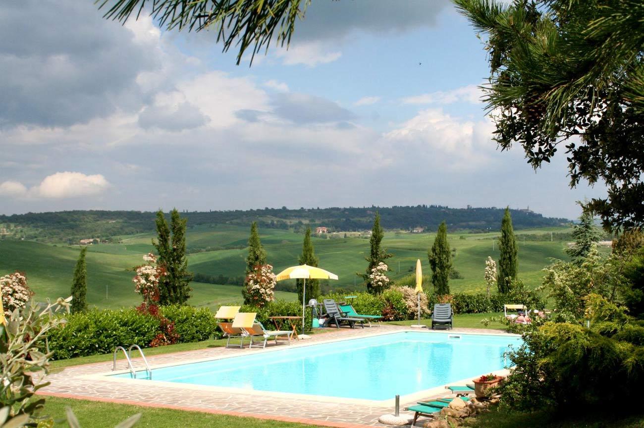 Vacances estivales louer une villa en toscane for Location toscane piscine