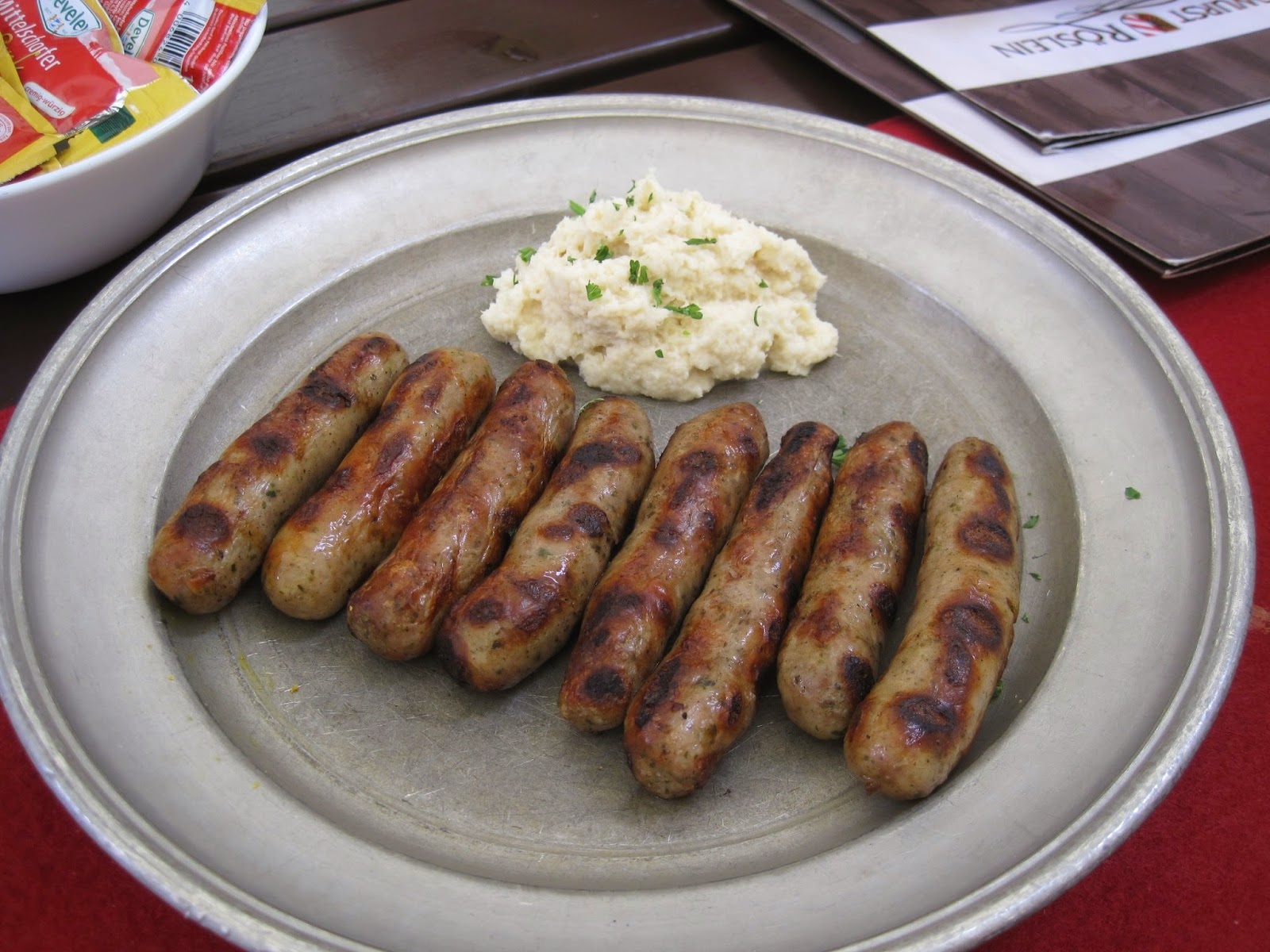 Nürnberger Bratwurst on a tin plate