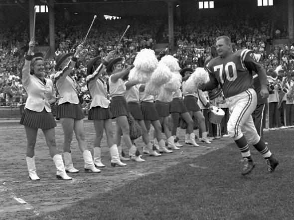 My Kinda Vintage Looking Back On The Nfl Cheerleaders