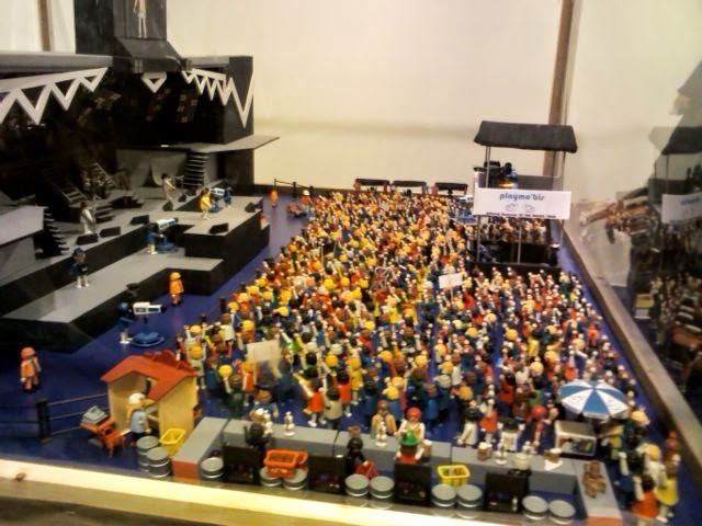 Clicks de playmobil a favor de las familias de la barriada (4)