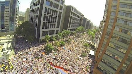 Mega Marcha da oposição na Venezuela contra ditadura comunista! Desfecho pode ser o fim também da tirania cubana e do Foro de São Paulo com reflexos sobre o Brasil