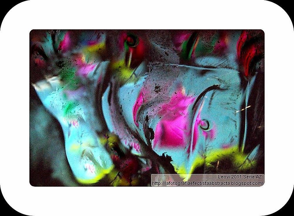 Foto Abstracta 3249  Ecos de tu universo rebotan en mi interior - Echoes of your universe bouncing inside me