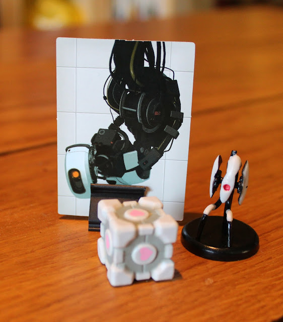 Portal board game - GLaDOS, Companion Cube and Turret