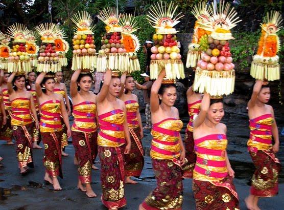 tham du festival tai dao bali indonesia ve thoi trang va thuc pham nam 2015