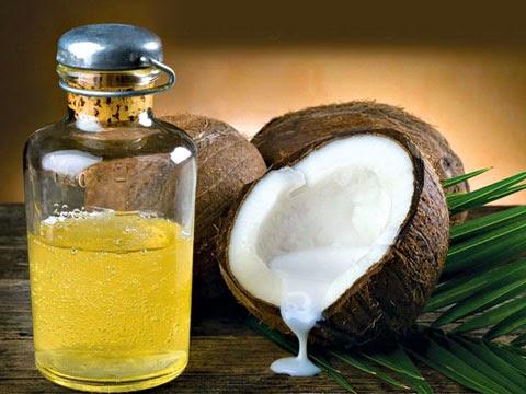 dưỡng da bằng dầu dừa, thần dược bình dân của phái đẹp