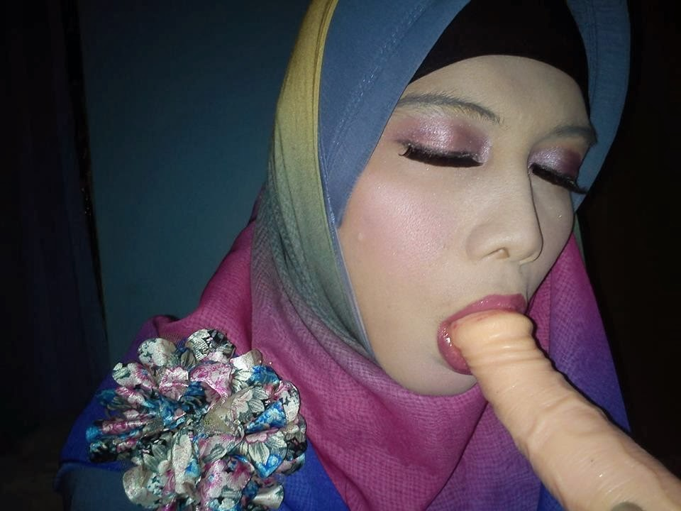 hijab blow job