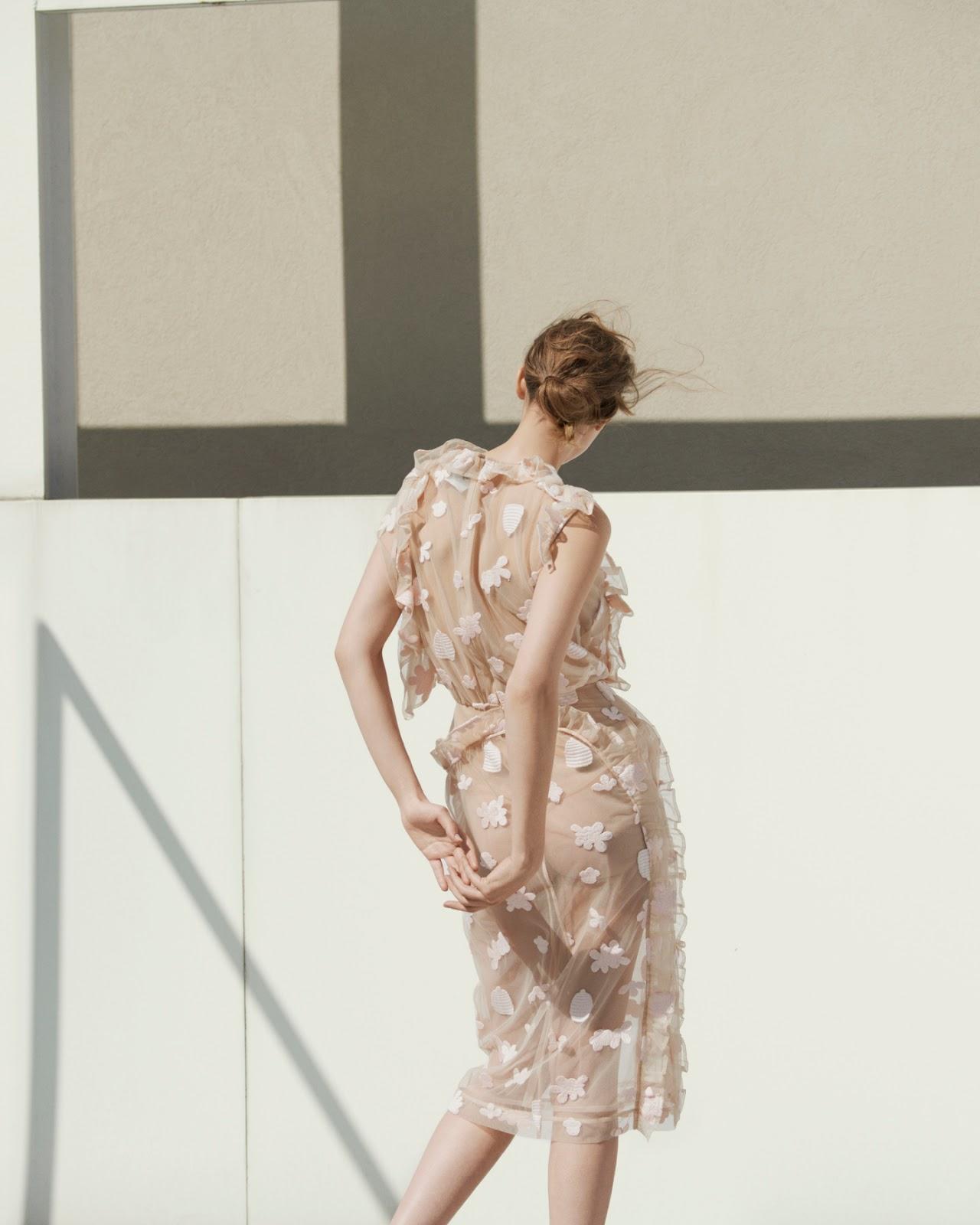 Melina Gesto in Vogue Germany January 2016 (photography: Julia Noni, styling: Kathrin Schiffner, hair: Christian Eberhard, make-up: Lili Choi) via www.fashionedbylove.co.uk british fashion blog