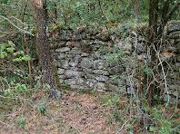 Paret de pedra seca a la Baga de Davant