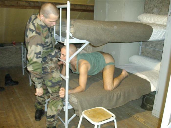 http://4.bp.blogspot.com/-n0e10EbdorY/Tcv-JbnlDYI/AAAAAAAAAbo/zcz2_nc-Xhc/s1600/military5.jpg