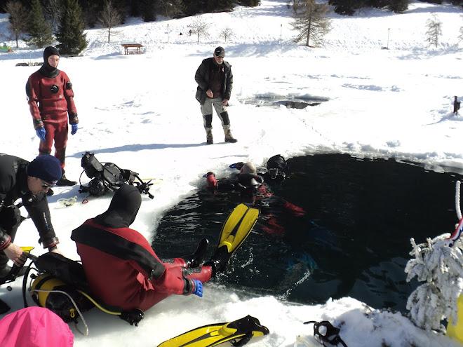 Plongée sous la glace.