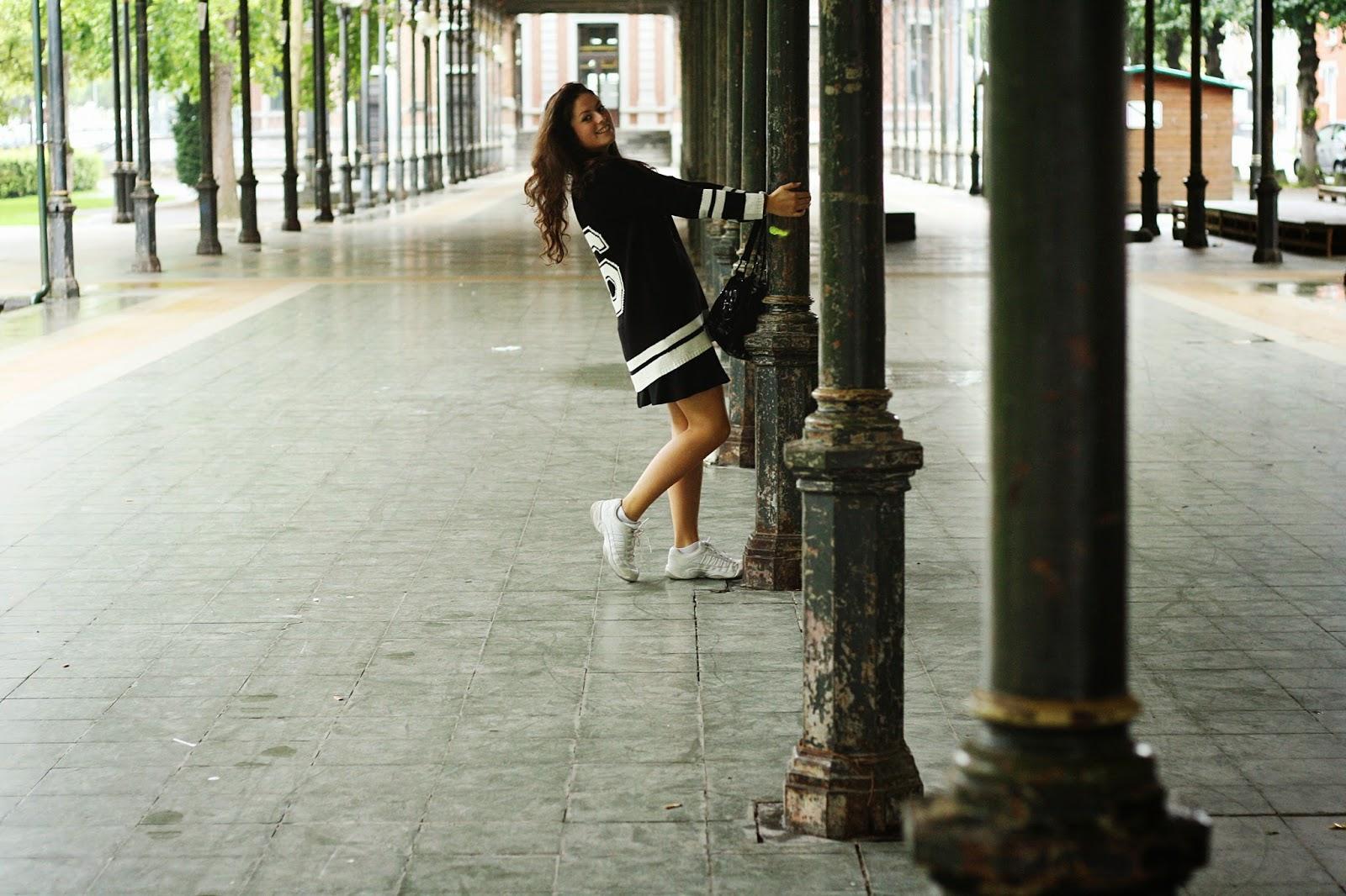 tenue sport outfit noir et blanc